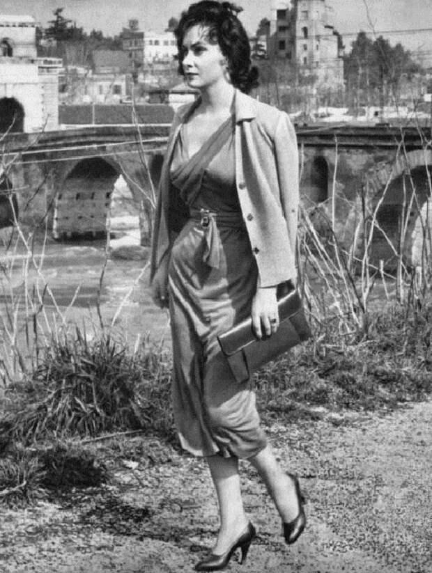 Джина Лоллобриджида, 1954 год. | Фото: thevintagenews.com.