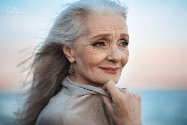 Разве она не красавица? Любовь, возраст, молодость души, море, пара, фото, чувства