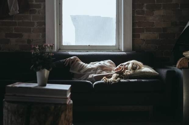 В России появилась вакансия испытателя дивана с зарплатой в 73 тысячи рублей