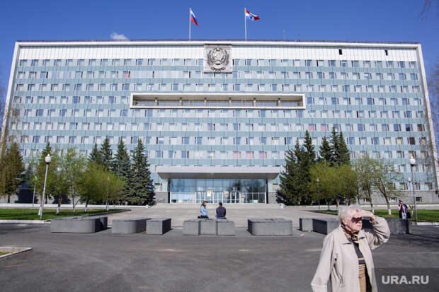 Пермские инсайды: чиновники страдают вкабинетах