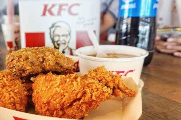 В Китае студенты взломали приложение и бесплатно питались в KFC
