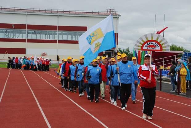 Первый межрайонный фестиваль скандинавской ходьбы объединил более 150 жителей Удмуртии