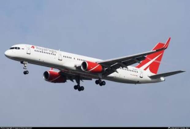 Boeing 757-28AWL авиакомпании Royal Flight