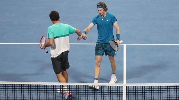 Рублев обыграл Фучовича и вышел в полуфинал турнира в Дубае, где сыграет с Карацевым