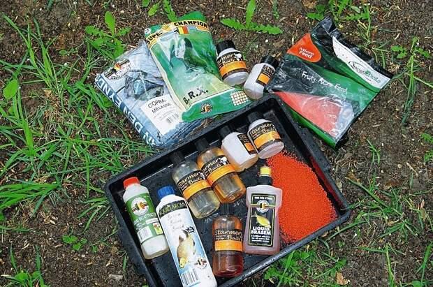 Неоценимую помощь при ловле лещей оказывают современные аттрактивные добавки.
