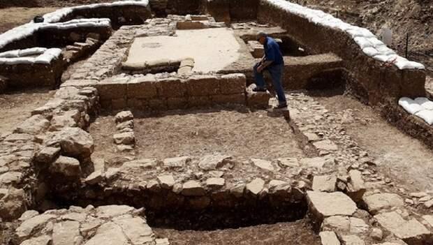 В Израиле обнаружен монастырь, где хранился Ковчег Завета
