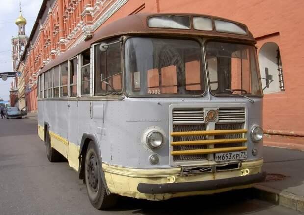 2006 год, улица Петровка. Один из выездов на съёмки. Фото Дениса Медведкова ЗИЛ-158В, авто, автобус, зил, лиаз, олдтаймер, реставрация, рето автобус