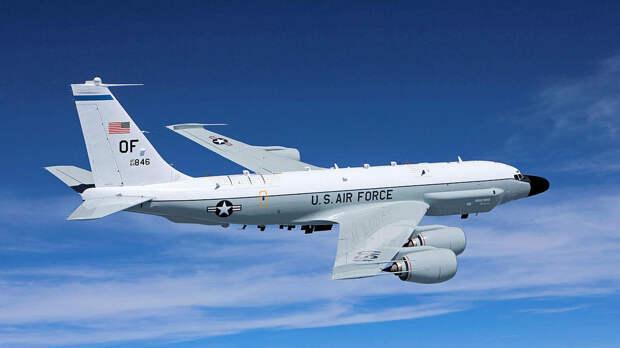 Американский военный самолет пролетел над Израилем