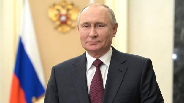 Путин рассказал, как работа мусульман помогает людям справляться с трудностями
