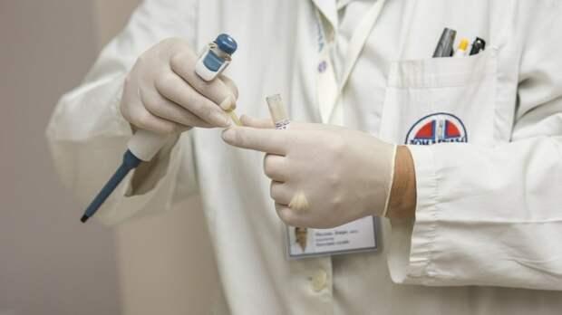Врач рассказал, как пациентам в клиниках навязывают лишние анализы
