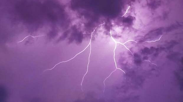 В Ленобласти объявлено штормовое предупреждение из-за гроз и ливней
