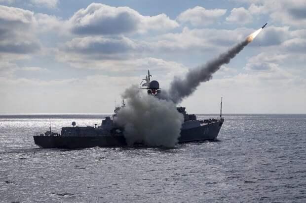 Российские военные корабли развернуты в боевой порядок у территориальных вод Азербайджана