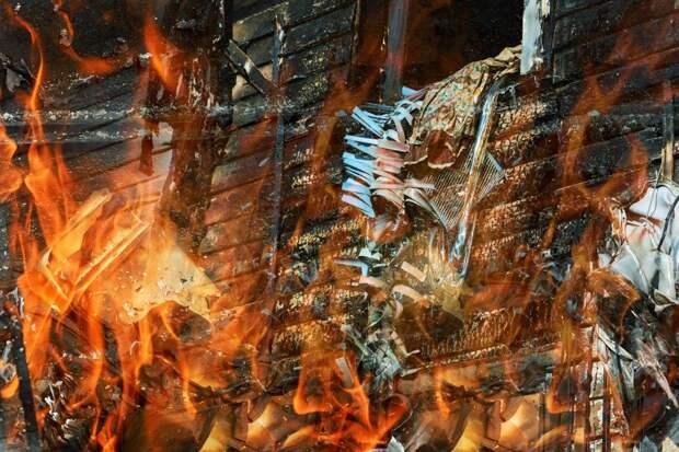 Двое мужчин погибли при пожарах в Удмуртии за минувшие сутки