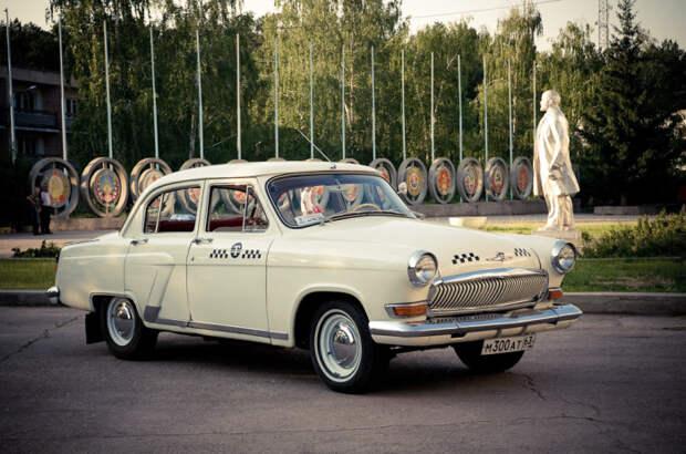 ГАЗ-21 стало самым известным советским такси. /Фото: a.d-cd.net