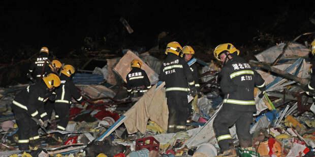 Торнадо в Китае: в результате удара стихии 12 человек погибли, более 400 пострадали