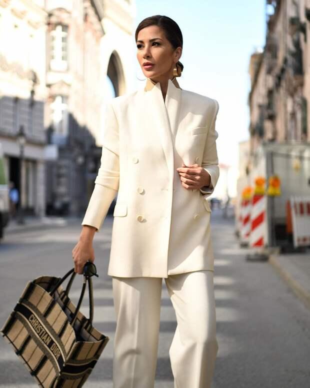 Стиль минимализм 2021 для женщин 40-50 лет: 15 модных направлений