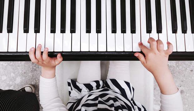 Новые музыкальные инструменты закупили для школ искусств в Ижевске