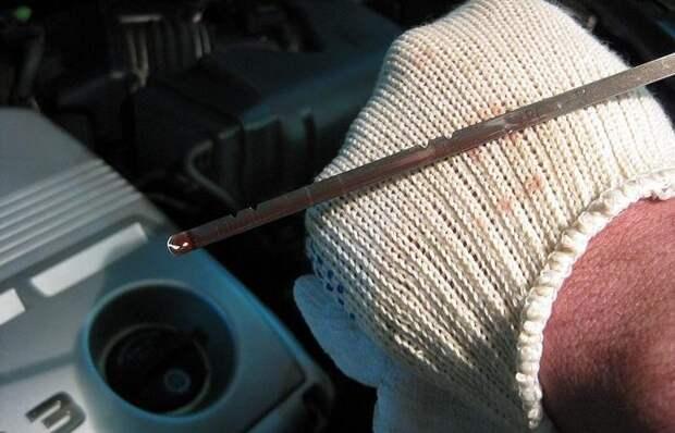 Чем чревато движение на автомобиле, если уровень масла упал ниже нормы