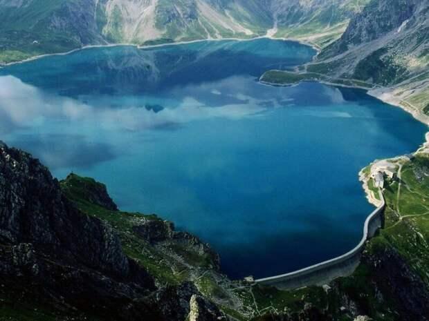 72 миллиона на дне: зачем в альпийском озере Топлиц затопили столько денег Альпы, история, мифы, факты