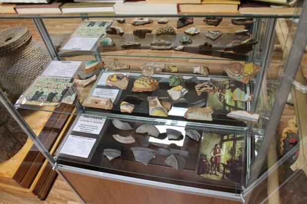 На выставке представлены артефакты XVIII века / Фото: пресс-служба парка «Кузьминки-Люблино»