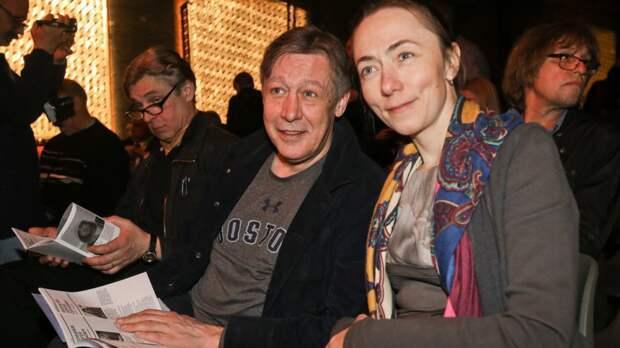 Жена Михаила Ефремова впервые навестила его в колонии