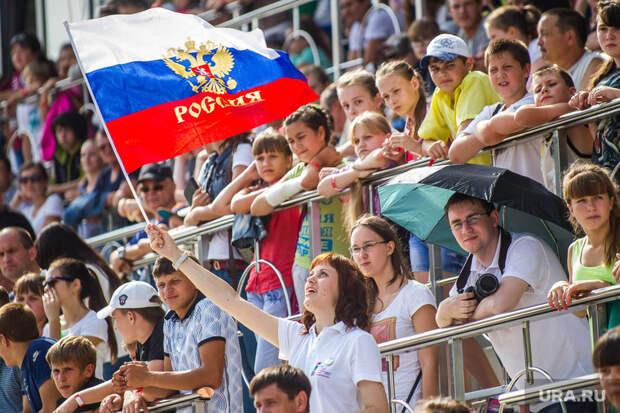 Летний биатлон. Чемпионат мира-2014. Тюмень, болельщик, флаг россии
