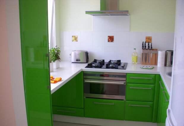 Яркая мебель в кухне