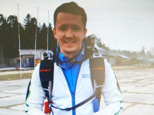 Подробности ЧП с парашютистами в Подмосковье: прыгали при сильном ветре