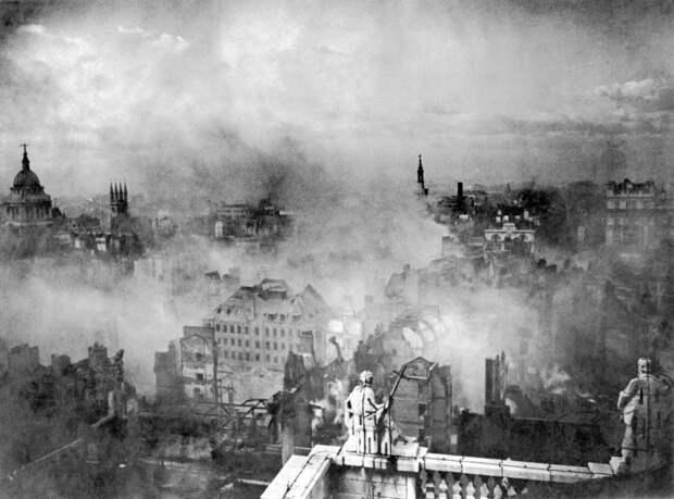 16. Бомбардировка Великобритании нацистской Германией, 29 декабря 1940 года. история, мир, фотография