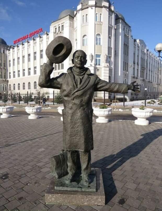 Памятник Юрию Деточкину в Самаре. / Фото: www.autotravel.ru