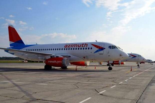 Sukhoi Superjet 100-95LR авиакомпании Azimuth Airlines