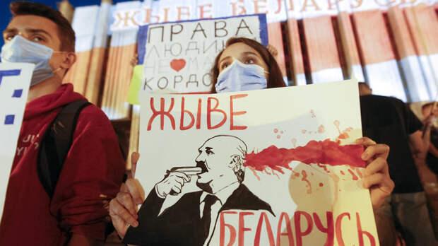 База НАТО под Смоленском? Пока обошлось: Год назад в Белоруссии начался Евромайдан