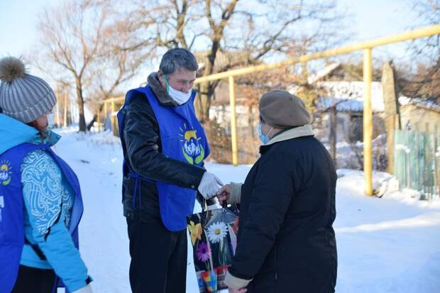 «Единая Россия» в преддверии Нового года увеличила помощь в регионах