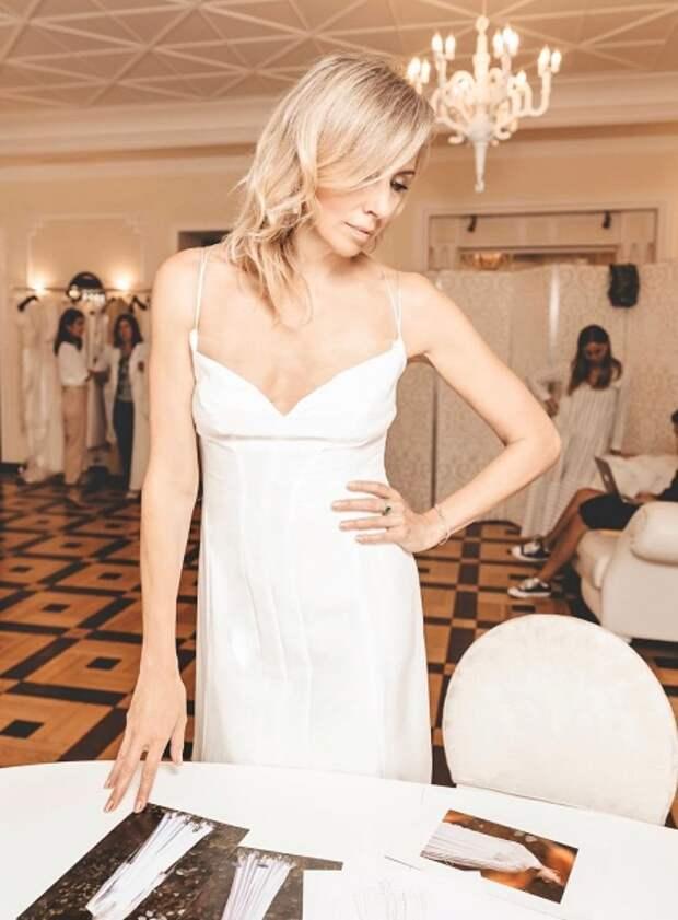 Светлана Бондарчук в платье Edem Couture