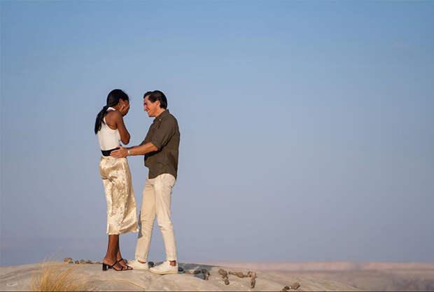 Доставка кольца дроном и ланч в пустыне: модель Victoria's Secret Жасмин Тукс рассказала о своей романтичной помолвке
