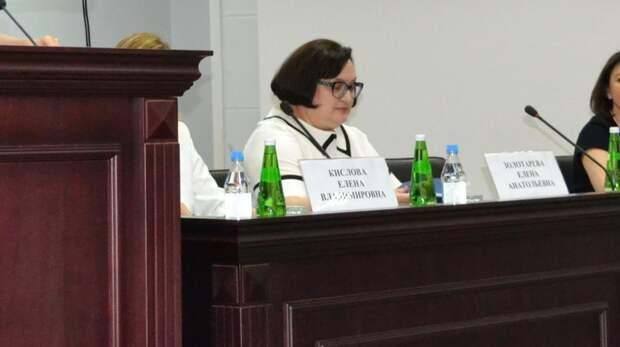 Судьи вРостове-на-Дону рассказали освоих автомобилях идомах