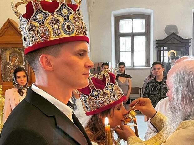 """""""Первый пошел!"""": Иван Охлобыстин выдал дочку замуж"""