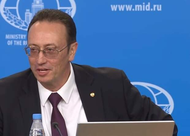 На брифинге МИД России Владимир Ермаков поставил наглого американского журналиста на место