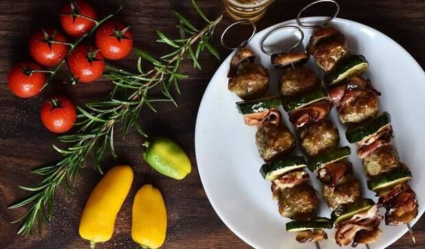 Тюменцам рассказали, изкакого мяса получится сочный шашлык