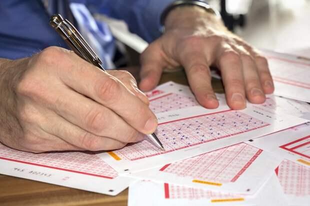 Житель Москвы сорвал крупнейший джек-пот в лотерею