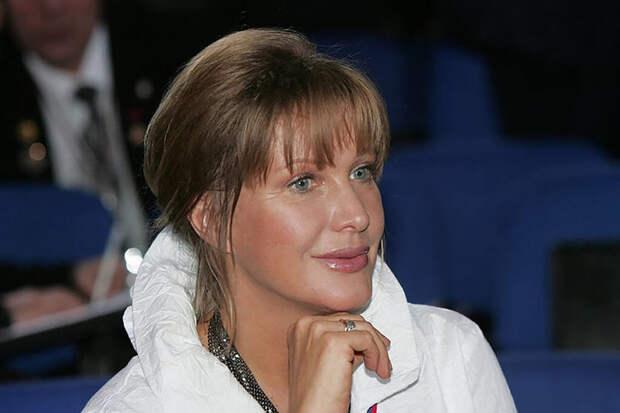 Молодой актёр обвинил Елену Проклову в домогательствах