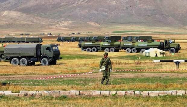 Грузия и Азербайджан собираются заблокировать российскую военную базу в Армении