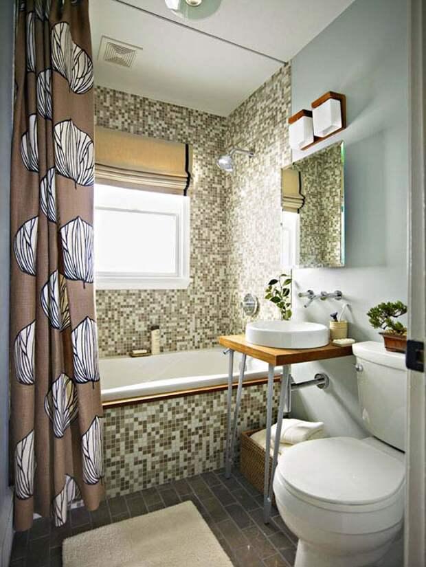 красивый интерьер ванной комнаты с окном