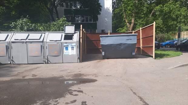 С площадки на Бестужевых вывезли мусор