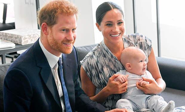 Необычное прозвище и много фото: Меган Маркл и принц Гарри поздравили сына с 2-летием