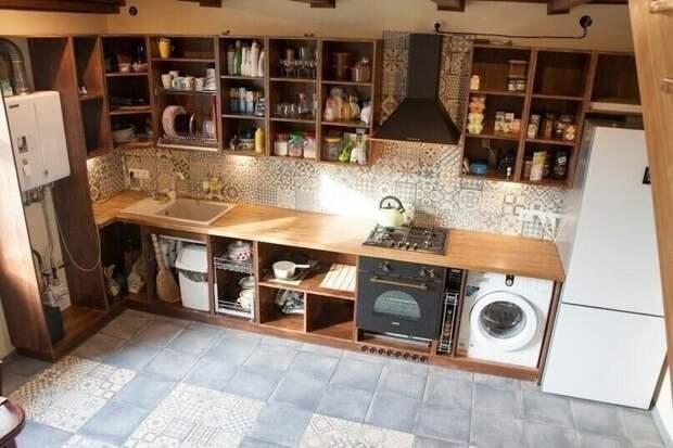 Это наверное самое большое неудобство при таком самостоятельном изготовлении - приходится эксплуатировать кухню в промежуточной готовности