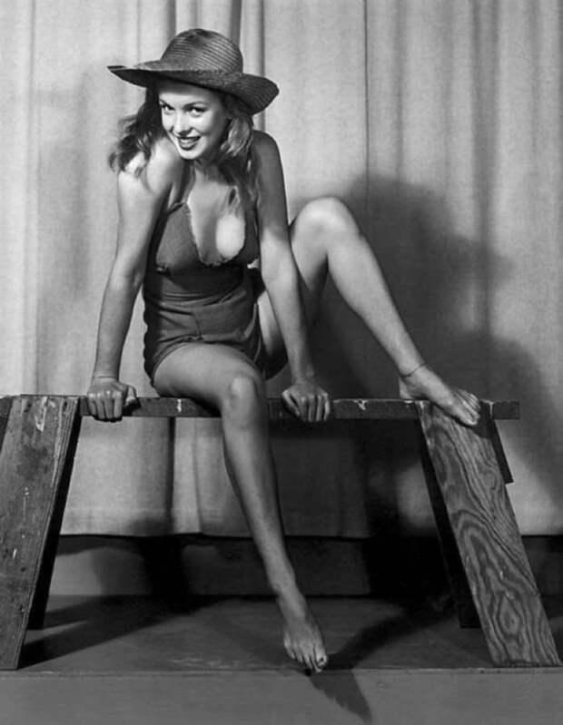 Откровенные фото молодой Мэрилин Монро