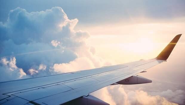 Более 180 человек, прилетевших из Нью‑Йорка в аэропорт Шереметьево, отвезли домой
