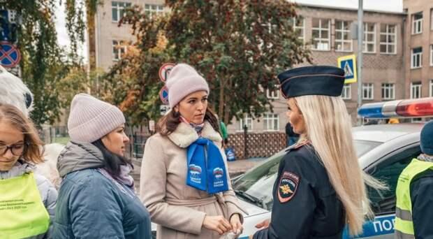 В Новосибирске прошла акция «Безопасный переход», призванная обезопасить детей от несчастных случаев на дороге