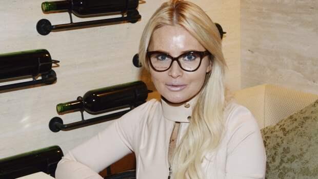 Дочь Даны Борисовой увезли из школы в крови в психологическую клинику